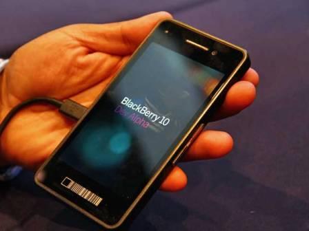 """O BlackBerry 10 voltou para o """"forno"""", lançamento somente em 2013 (Foto: Reprodução)"""