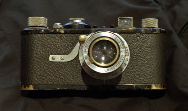 800px-Leica-I-1