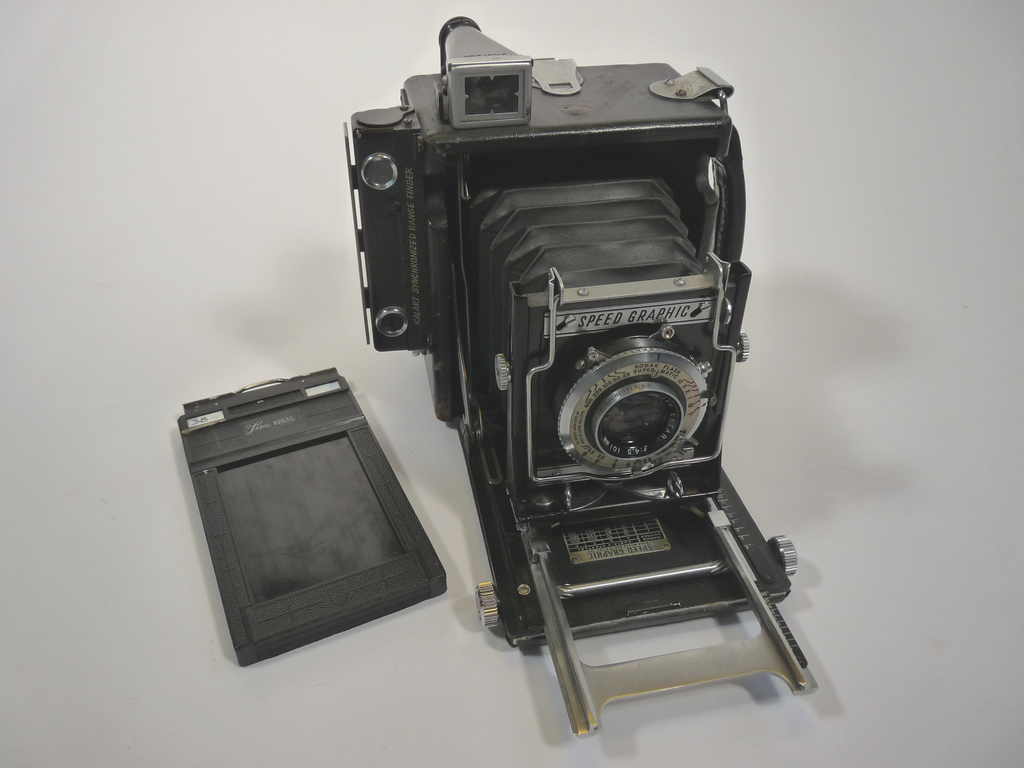 Graflex_speedgraphic_medium_format,_1