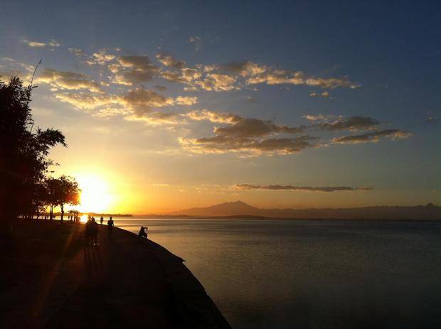Baía de Guanabara. Feita com iPhone 2G (Foto: Marcos Givisiez - )