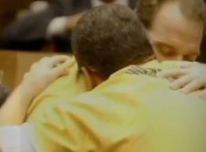 Irmãos comemoram chance de serem liberados da cadeia (Foto: Reprodução)