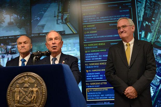 Prefeito Bloomberg anunciou a parceria que traz a tecnologia da Microsoft ao combate ao crime em Nova Iorque (Foto: Reprodução)