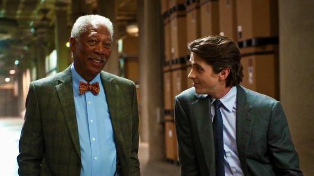 Quando Morgan Freeman é seu ajudante, a coisa ficou séria (Foto: Divulgação)