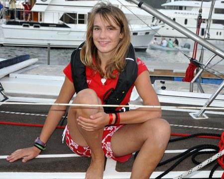 A velejadora holandesa Laura Dekker sofreu cyberstalking de um homem de 60 anos (Foto: Reprodução)