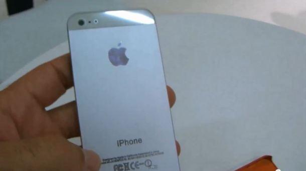 Imagem do protótipo do iPhone 5 mostrado não oficialmente na IFA (Foto: Reprodução)