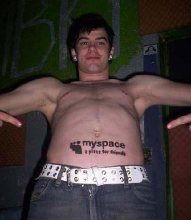 Tatuagem em homenagem ao My Space (Foto: Reprodução)