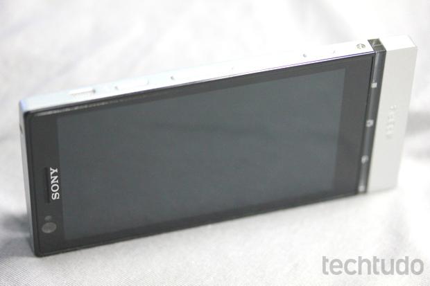 Sony Xperia P, considerado o smartphone mais 'eco-friendly' de 2012 (Foto: Allan Melo / TechTudo)