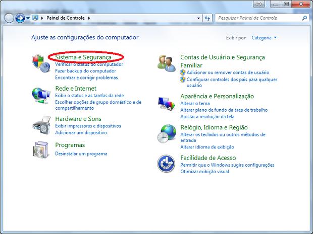 """Acessando """"Sistema e Segurança"""" no painel de controle no Windows 7 (Foto: Reprodução/Edivaldo Brito)"""