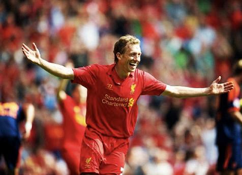 Lucas posta fotos dos bastidores do Liverpool no seu perfil do Instagram (Foto: Reprodução)