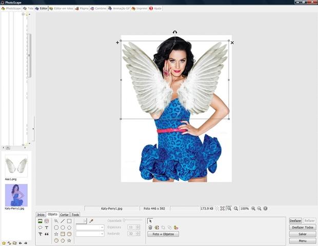 Abra a segunda foto e ajuste tamanho e posição (Foto: Reprodução/Raquel Freire)