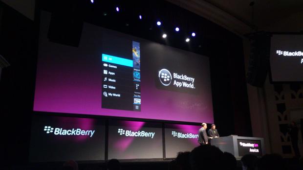 BlackBerry App World também vai ter filmes e músicas no Brasil (Foto: Allan Melo/TechTudo)