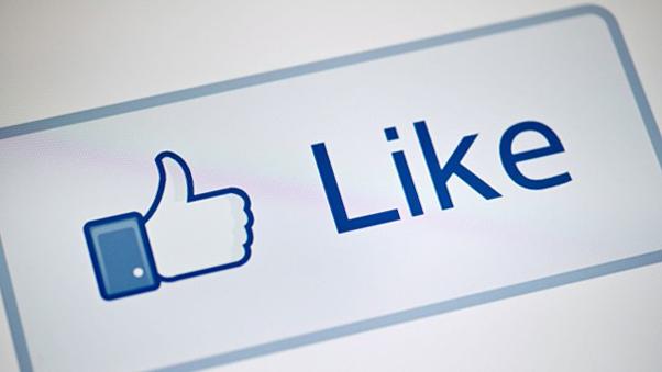 """Facebook começa a remover """"likes"""" falsos das páginas (Foto Reprodução)"""