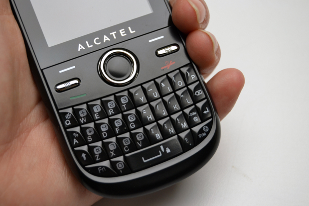 Feature phone Alcatel One Touch 678G