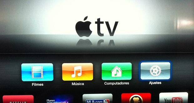 """Acessando a opção """"Ajustes"""" na Apple TV (Foto: Reprodução/Edivaldo Brito)"""