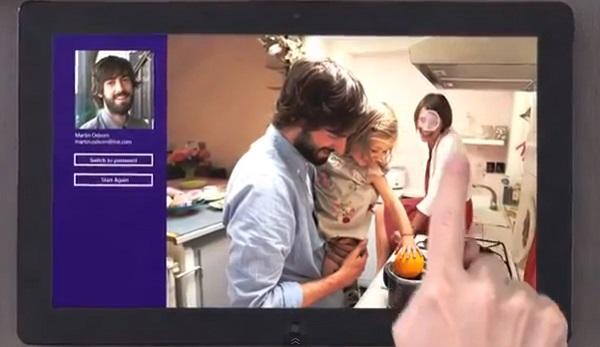 Windows 8 tem comercial destacando o touch (Foto: Reprodução)