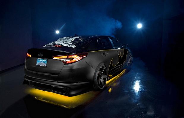 A pintura do modelo é em preto fosco com detalhes em preto brilhoso e e bordas amarelas (Foto: Divulgação)