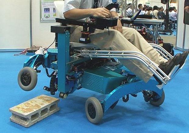Cadeira de rodas robótica sobe até escadas | Notícias | TechTudo