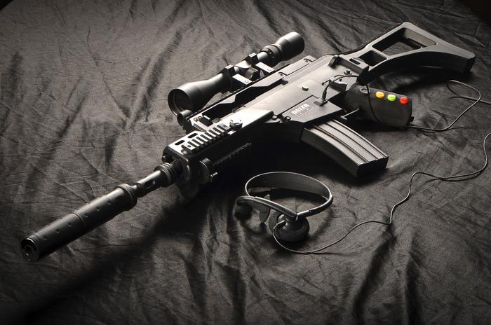 O Delta Six, réplica de arma para mais precisão em games de tiro (Foto: Divulgação)
