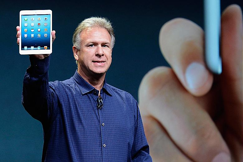 Phil Schiller, executivo de Marketing da Apple e o iPad Mini (Foto: Reprodução)