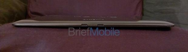 Google Nexus 10 extremamente fino (Foto: Reprodução/BriefMobile)