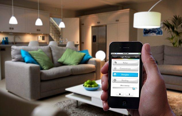 Lâmpadas de LED personalizáveis da Philips oferecem 16 milhões de cores (Foto: Divulgação)