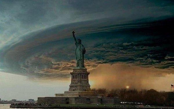 Foto fake mais compartilhada pelas redes sociais do furacão Sandy  (Foto: Reprodução)