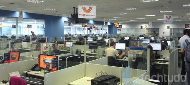 O call center da GVT ocupa dois andares do prédio, e há mais outras centrais em Curitiba, Maringá e Fortaleza (Foto: Allan Melo / TechTudo)
