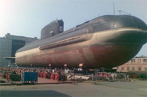 B-90 Sarov deverá navegar ainda em 2012 movido por células de combustível a hidrogênio (Foto: Reprodução)
