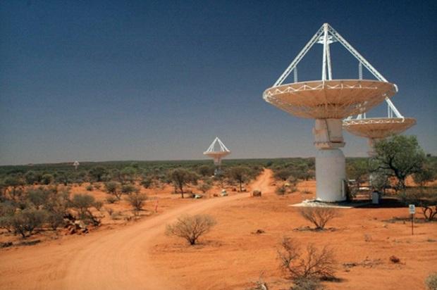 O ASKAP, o mais poderoso radiotelescópio do mundo, faz parte do projeto internacional Square Kilometer Array (Foto: Reprodução/The Verge)