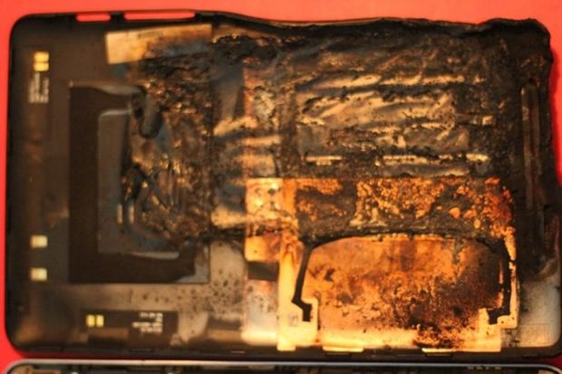Bateria do Nexus 7 completamente derretida (Foto: Divulgação)