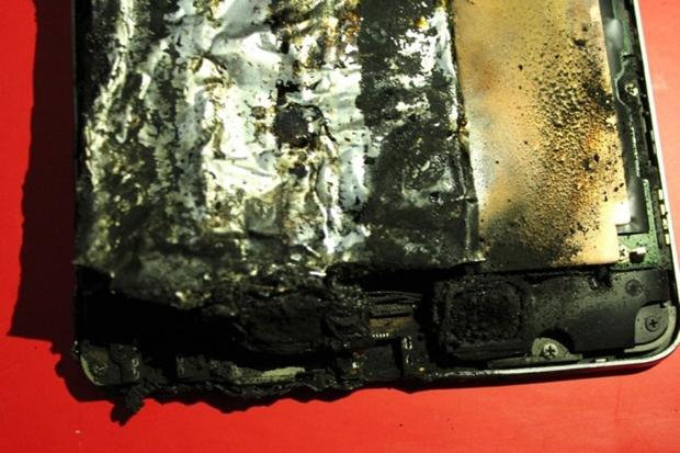 Tudo o que sobrou do Nexus 7 (Foto: Divulgação)