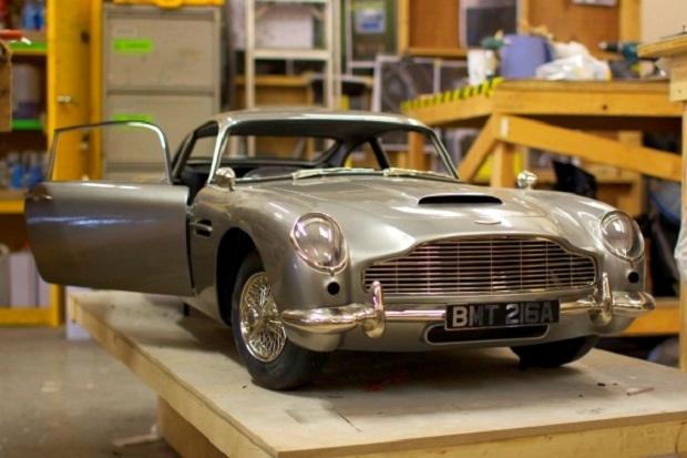 Miniatura do carro de James Bond foi feita com impressão 3D (Foto: Reprodução)
