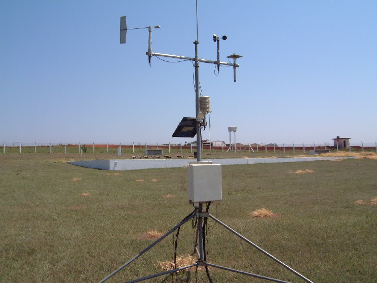 Aparelho usado nas estações meteorológicas (Foto: Reprodução)