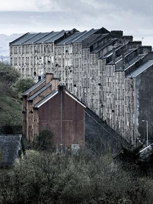 Nova vencedora do concurso, Condenados retrata conjunto habitacional (Foto: Reprodução/Simon Butterworth)