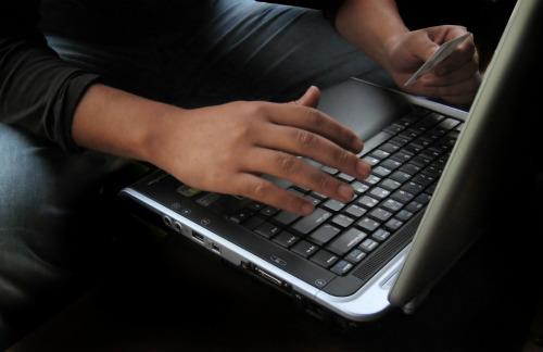 PROCON-SP atenta para a segurança na hora de fazer compras online na 'Black Friday' (Foto: Reprodução/Blug!)