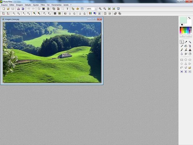 Tela inicial do Photofiltre com foto aberta (Foto: Reprodução/raquel Freire)
