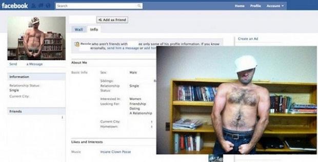 Homem imita pose com boné e sem camisa (Foto: Reprodução/Facebook)