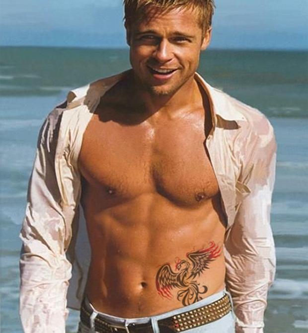 Foto de Brad Pitt com tatuagem feita no Gimp (Foto: Reprodução/Raquel Freire)