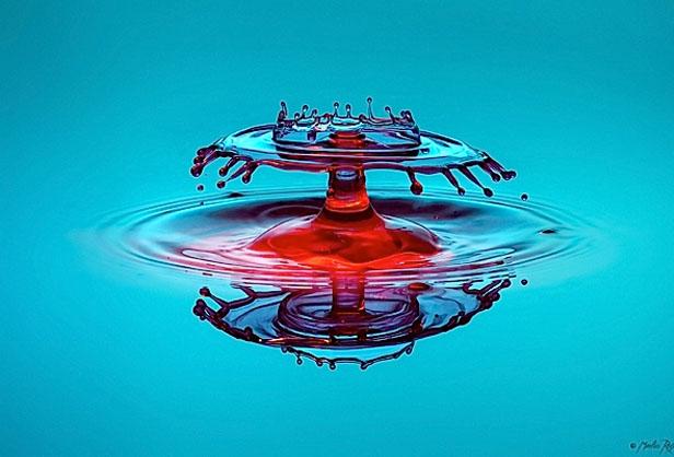"""Fotógrafo """"congela"""" movimento de líquidos em suas fotos (Foto: Markus Reugels)"""