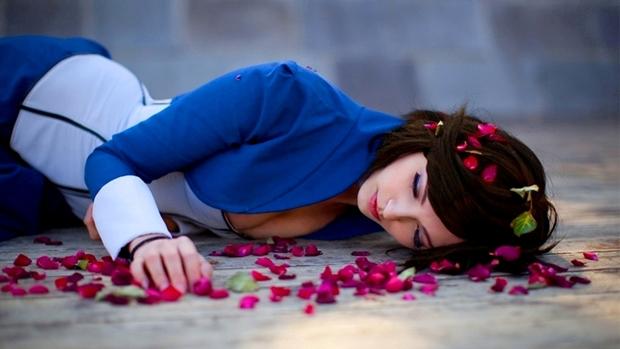 Anna interpeta um possível final onde Elizabeth morre (Foto: Anna Moleva)