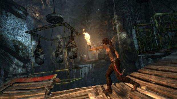 Lara não tem dó dos inimigos no trailer de Tomb Raider (Foto: Divulgação)