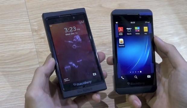 Novo BlackBerry aparece em video ao lado do protótipo (Foto: Reprodução)