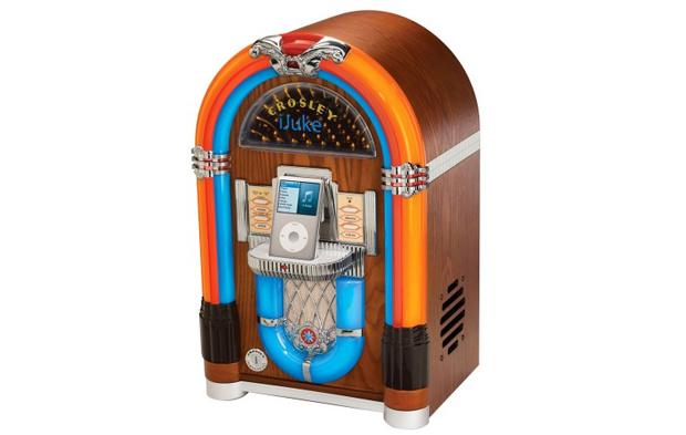 Para os fãs de acessórios retrô, o dock station em formato de Jukebox é uma ótima opção.