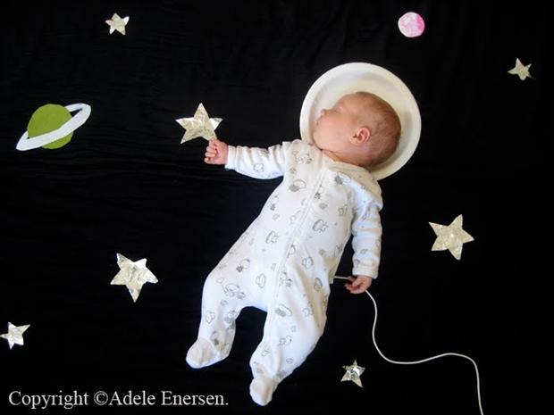 A pequena Mila em versão astronauta (Foto: Reprodução/ Adele Enersen)