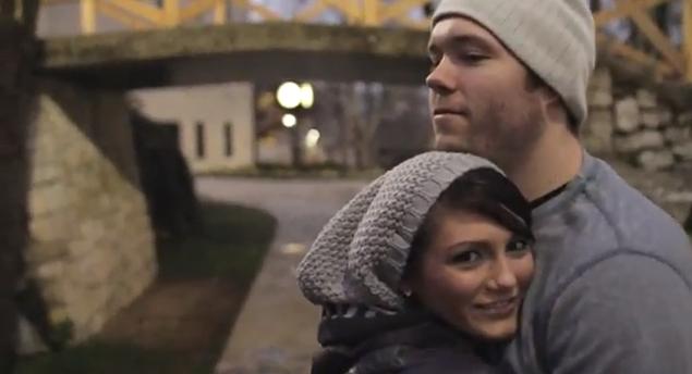 Mágico pediu a mão da namorada em casamento e postou no YouTube (Foto: Reprodução/YouTube)