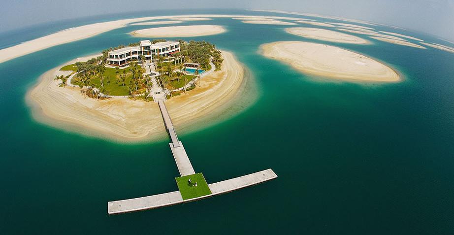 Já pensou em comprar uma ilha particular que era do Michael Schumacher? (Foto: Reprodução/The Billionare Shop)