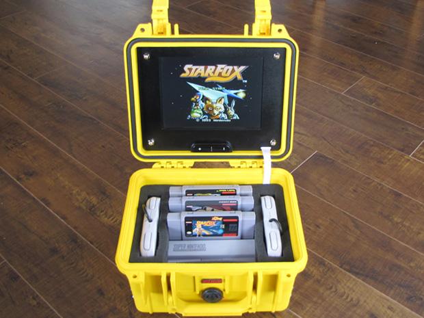 Fã cria Super Nintendo 'portátil' dentro de uma maleta Snes-portatil01_