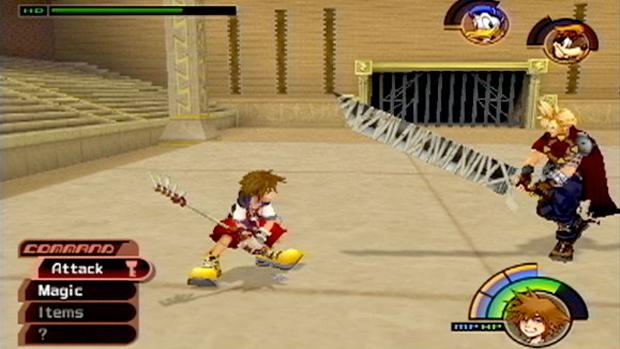 O protagonista Sora luta contra Cloud de Final Fantasy 7 (Foto: IGN)