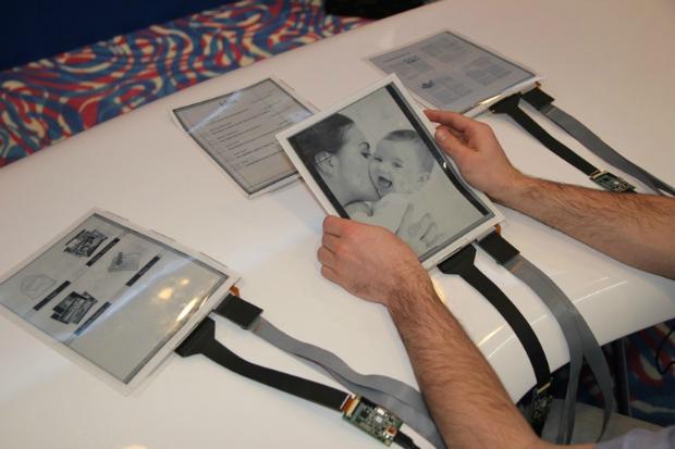 Tablet é bem diferente dos modelos tradicionais (Foto: Reprodução Engadget) (Foto: Tablet é bem diferente dos modelos tradicionais (Foto: Reprodução Engadget))