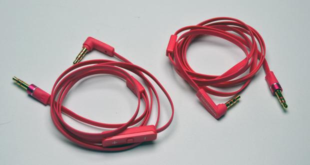 Fone de ouvido estéreo HD WH-930 Nokia Purity vem com dois cabos diferentes (Foto: Stella Dauer)